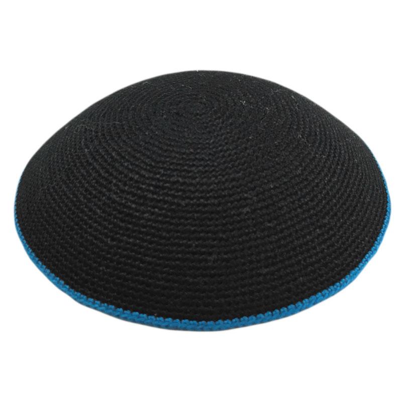 כיפה סרוגה עבודת יד שחור עם פס כחול-תכלת